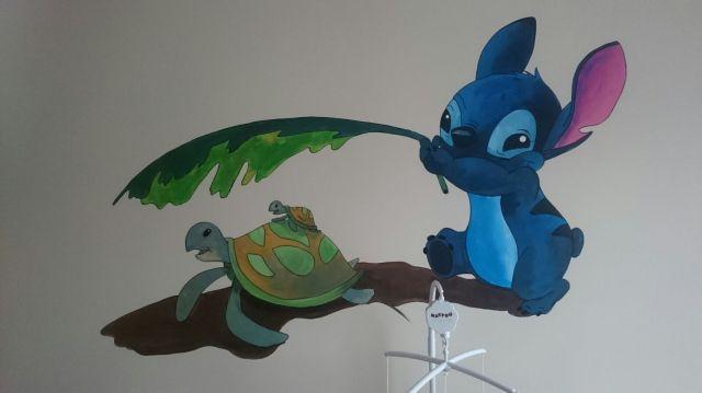 """""""Stitch"""" pintura mural"""